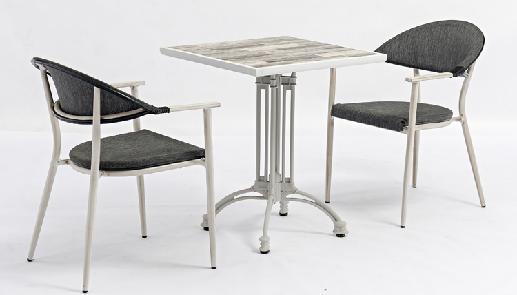 How to buy restaurant table tops